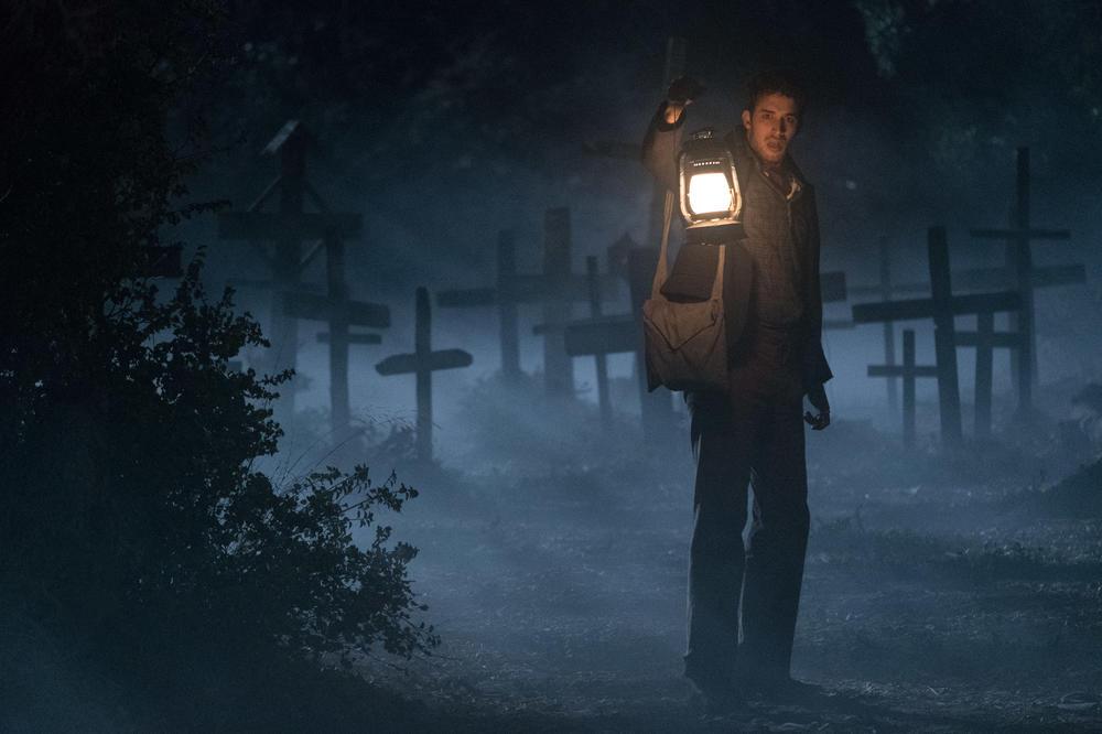 Franchie dans le cimetière